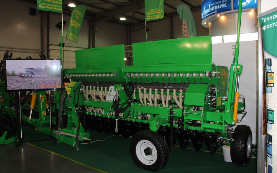 Сеялка зернотуковая механическая универсальная Ника-4 выставка Inter Agro 2014 Киев