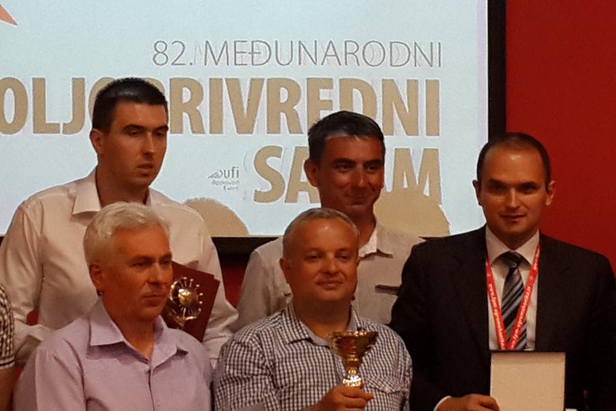 Награждение Велес-Агро медалями на выставке sajam Сербия